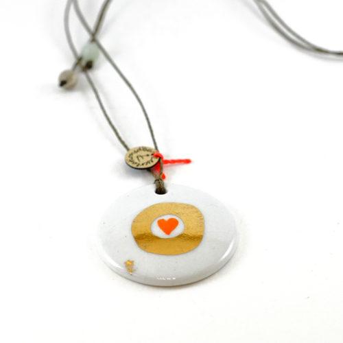 pendentif, bijou de porcelaine forme ronde, collection Amore, peint à la main