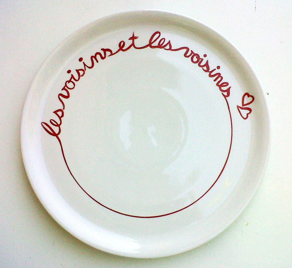 plat à tarte en porcelaine en souvenir des voisins