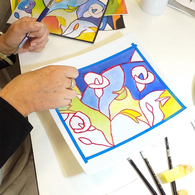 atelier pause créative plat peint à la main
