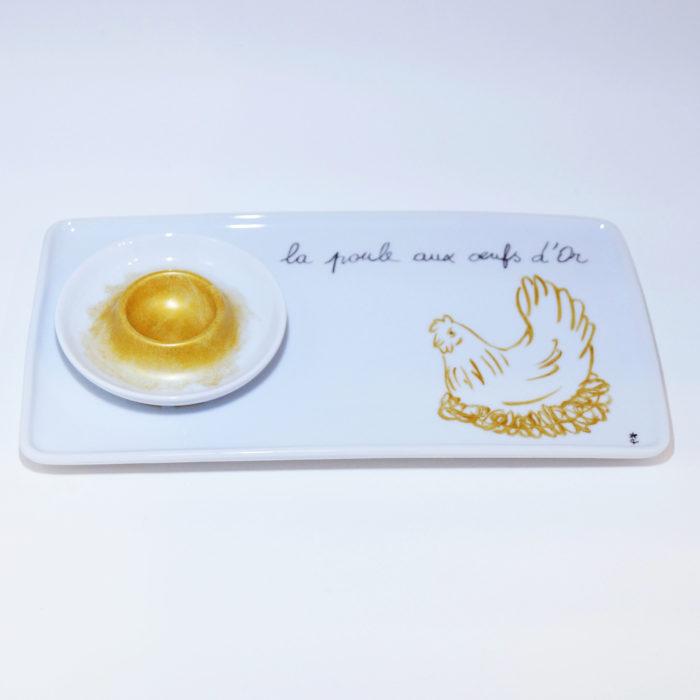 Plat rectangulaire et son coquetier doré peint à la main