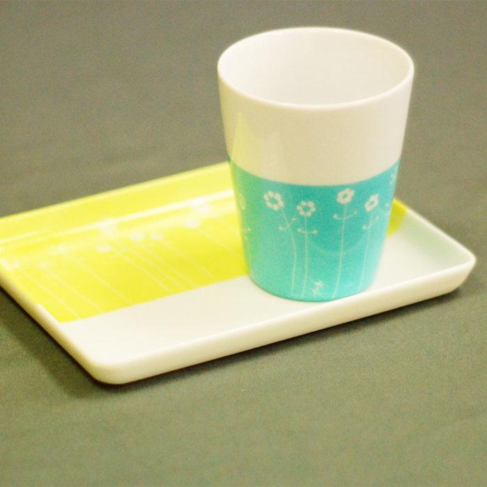 plateau et tasse à café en porcelaine, peint à la main