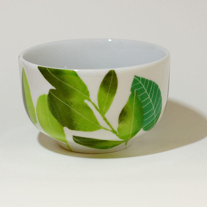 """le bol """"basic""""en porcelaine peint à la main, chlorophylle"""