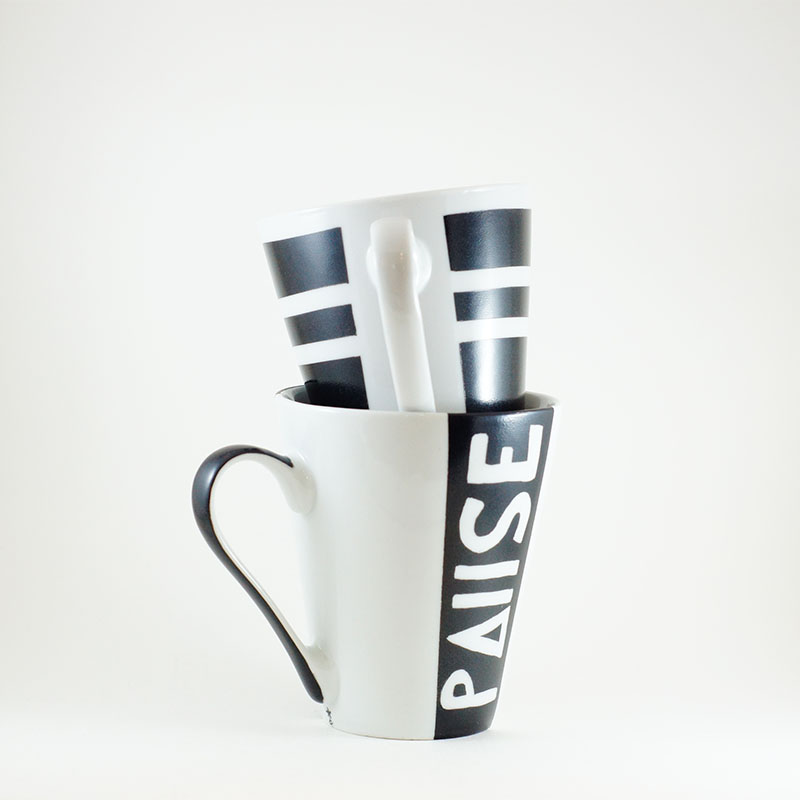 Duo de mug et messag, collection Black and White