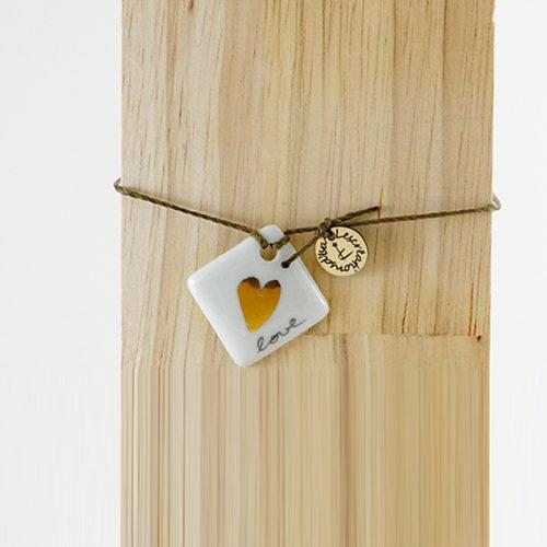bracelet en porcelaine forme carré love, amour, coeur en or, peint à la main