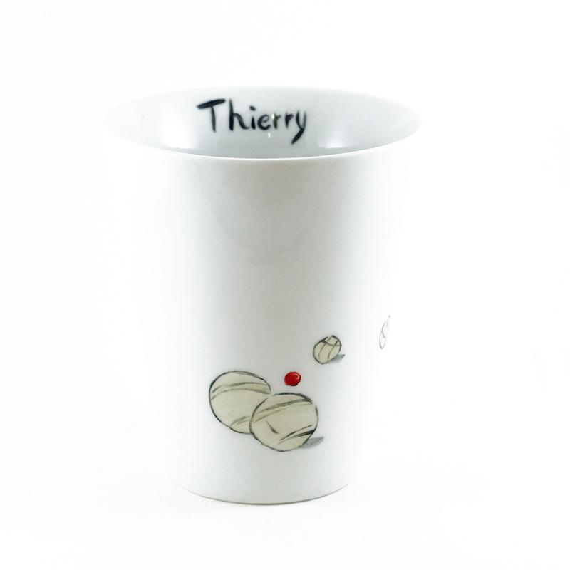 Mug conique en porcelaine peint à la main, motif pétanque et prénom