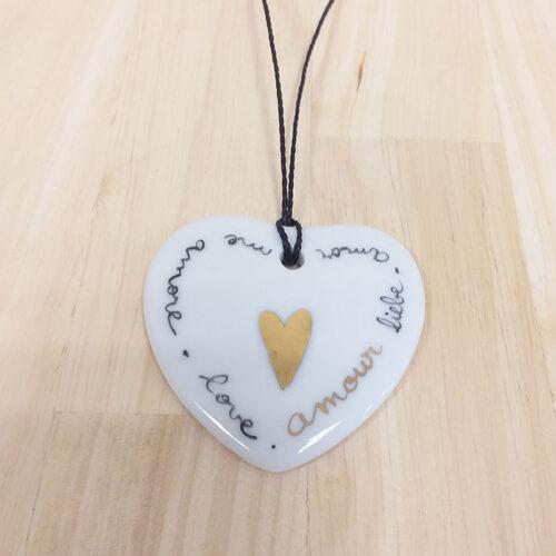 pendentif en porcelaine forme coeur, collection AMore, coeur noir et Or, peint à la main