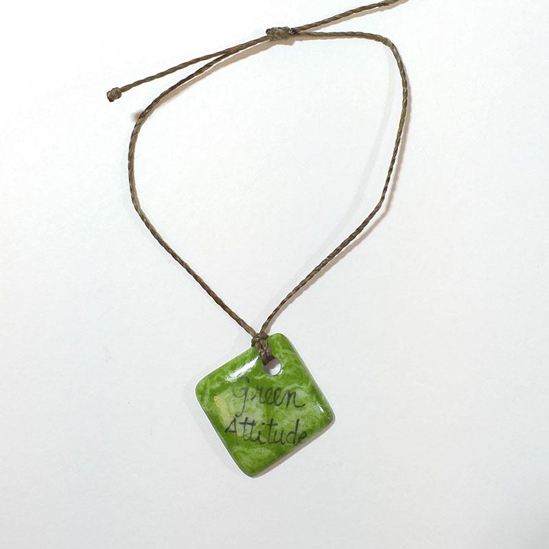 bracelet de forme carrée en porcelaine, green attitude peint à la main