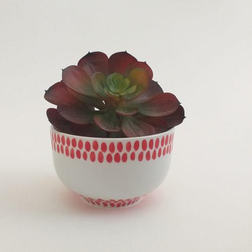 Bol en porcelaine, collection fil rouge, peint à la main