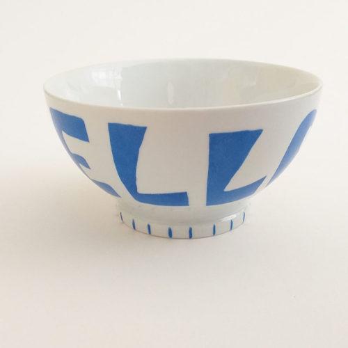 Bol à talon en porcelaine, Bleuaphik, message Hello Peint à la main