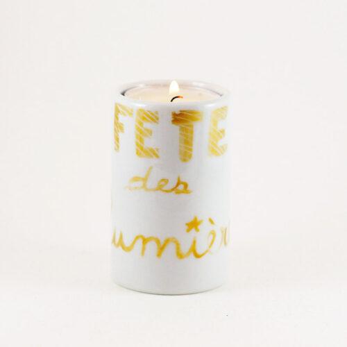 bougeoir cylindrique en porcelaine pour la fête des lumières. peint à la main