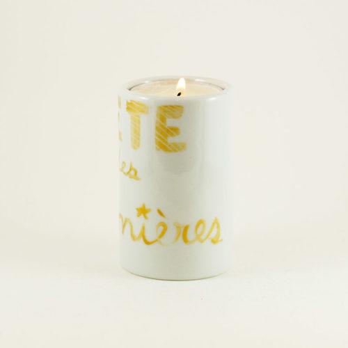 bougeoir cylindrique en porcelaine pour la fête des lumières. peint à la main. Doré