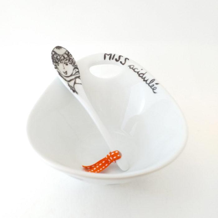 Coupelle en porcelaine de Limoges, Peinte à la main. Miss Acidulée