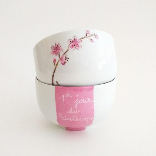Duo de bols en porcelaine, fleur du japon, peint à la main