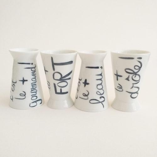 coquetiers ou tasses réversible en porcelaine de Limoges, peint à la main