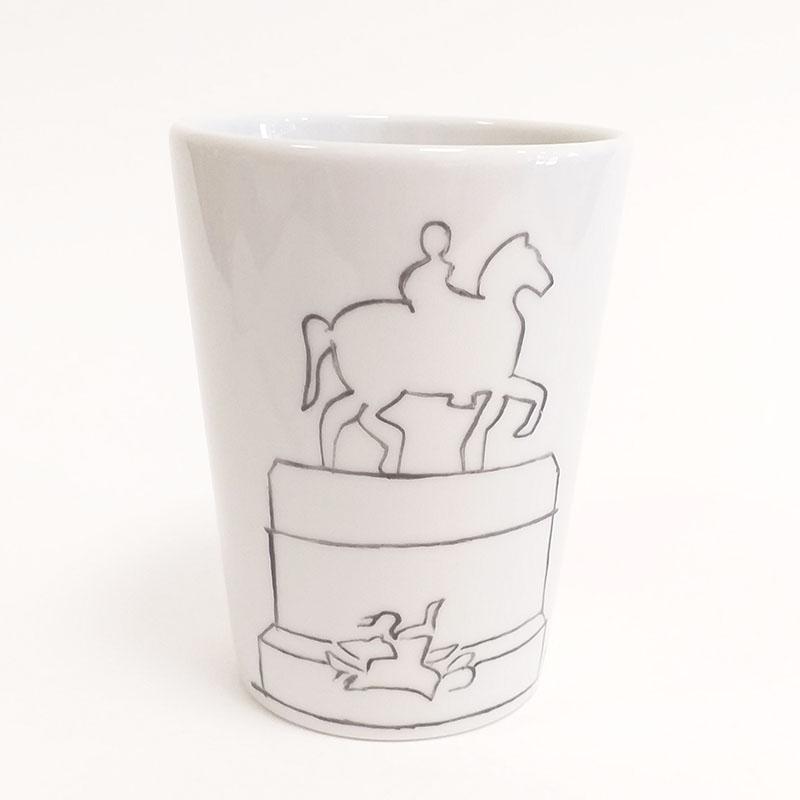 mug sans anse Lyon, place Bellecour, V2. peint à la main