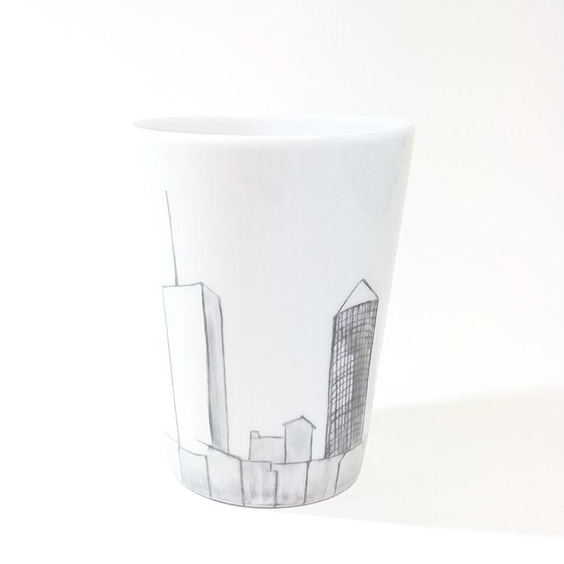 mug sans anse Lyon, Part-Dieu, peint à la main