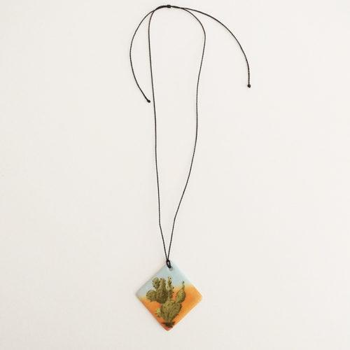 pendentif losange en porcelaine, collection cactus, peint à la main