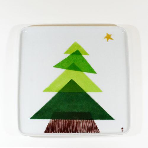 plat carré en porcelaine, motif sapin, peint à la main
