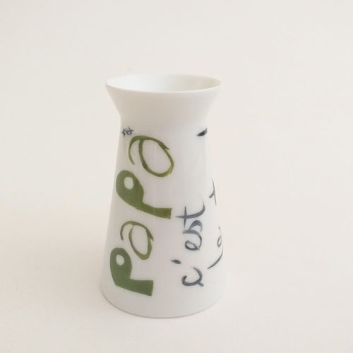 coquetier ou tasse réversible en porcelaine de Limoges, peint à la main. Vert
