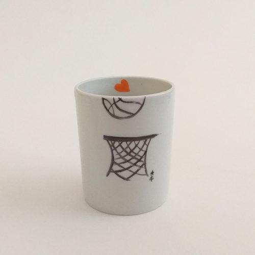 tasse à café en porcelaine de Limoges, peint à la main, Basket