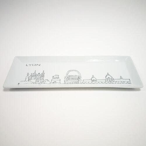 plat à cake en porcelaine, collection Lyon. Peint à la plume