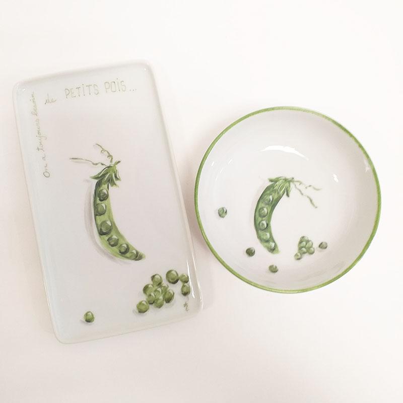 Duo coupelle et plat en porcelaine collection potager, petits pois, peint à la main