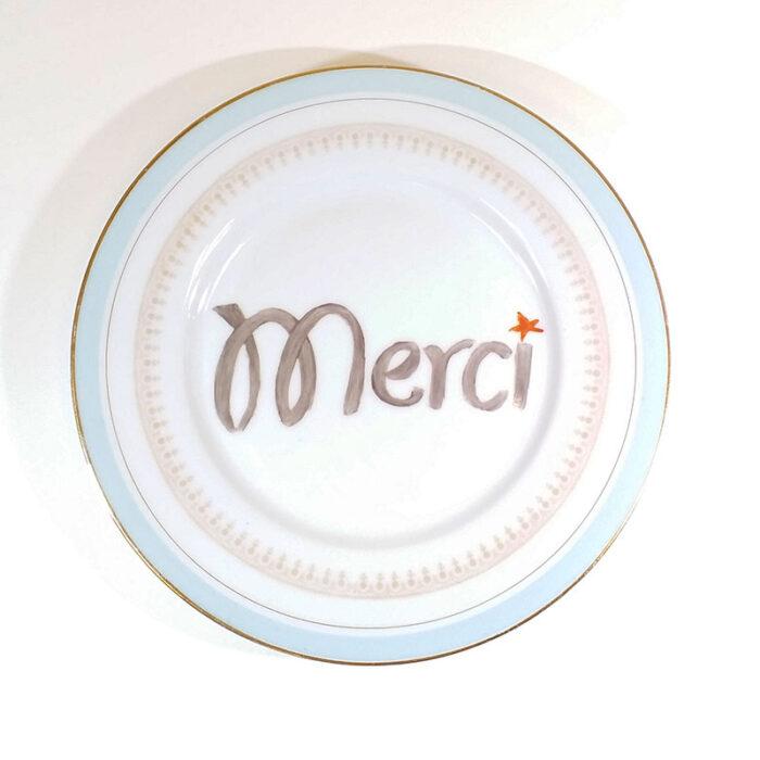 Assiette ancienne en porcelaine, collection Seconde vie, peinte à la main : Merci