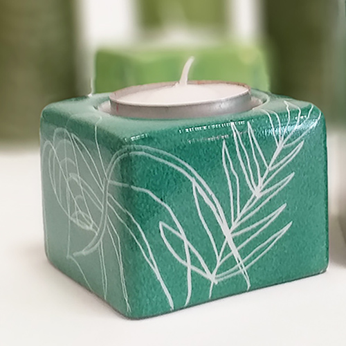 Bougeoir carré bas en porcelaine, collection chlorophylle-vert palissy, peint à la main