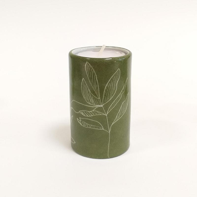 Bougeoir Cylindrique couleur Terre verte, collection Chlorophylle, peint à la main