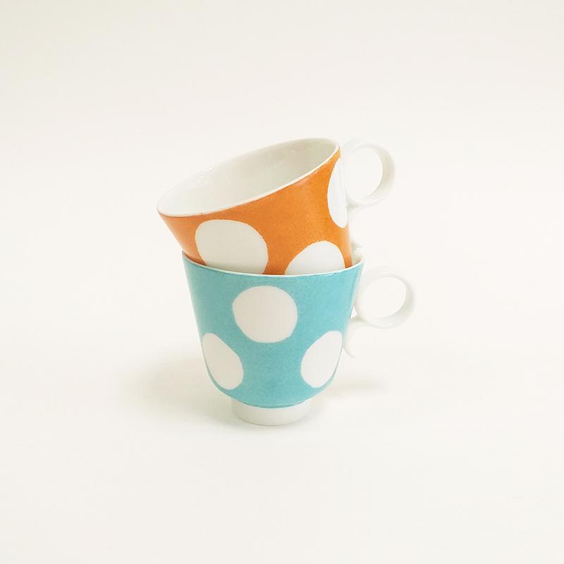 Ensemble tasses en porcelaine de Limoges, avec anse, collection Pois, couleur Turquoise et Mandarine
