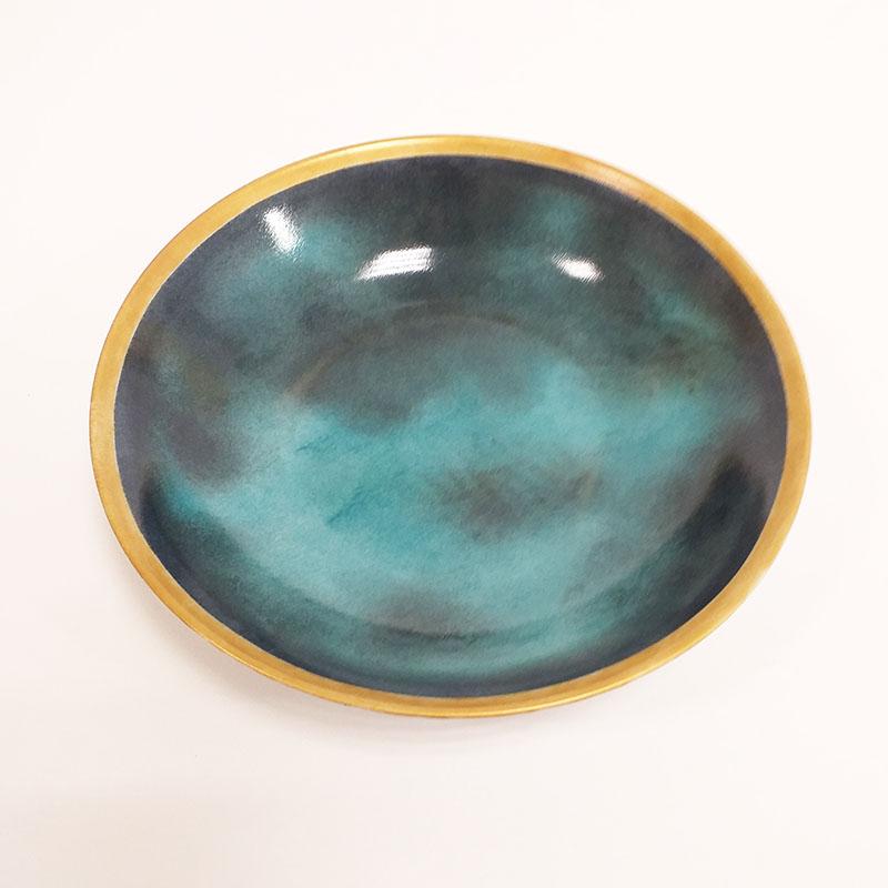 Assiette en porcelaine peint à la main par Lisa