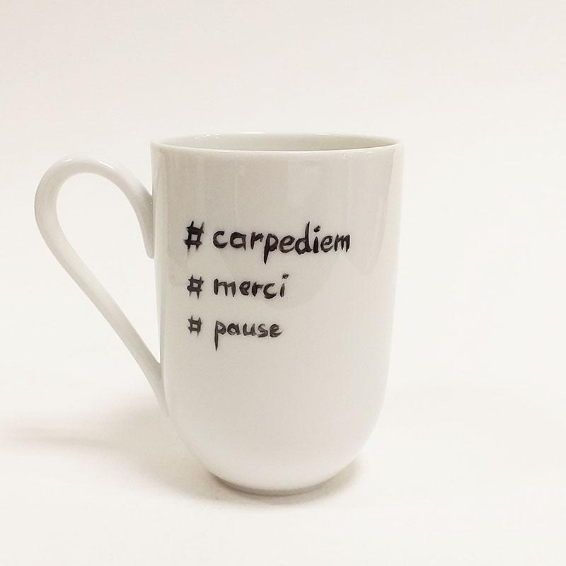mug en porcelaine de Limoges, collection Fais un voeu, coeur doré,, carpe diem, merci, pause Peint à la main