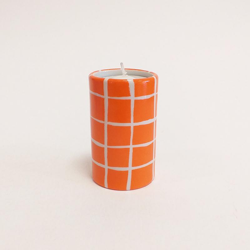 """Bougeoir cylindrique en porcelaine, collection """" Fifty's"""" - Paint à la main. Mandarine quadrillé"""