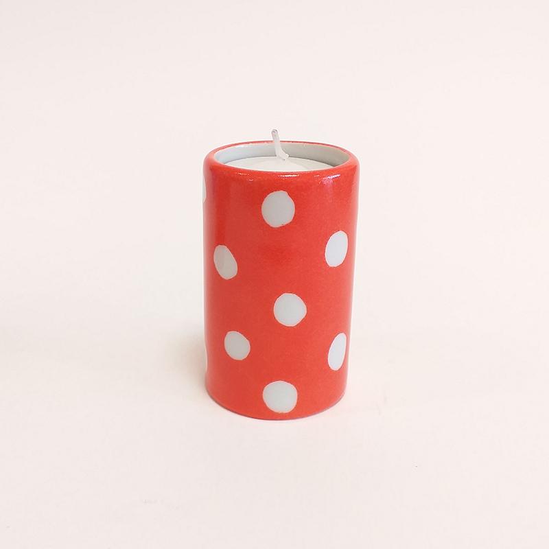 """Bougeoir cylindrique en porcelaine, collection """" Fifty's"""" - Paint à la main.Corail à pois"""